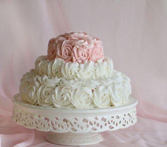 #Birthday Cake of Roses