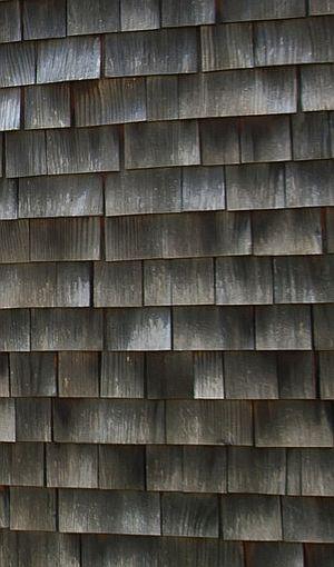 SAINT BENEDICT CHAPEL BY PETER ZUMTHOR (Felipe Camus photography) Acabado exterior de tejuelas de madera, aplicado sobre superficie curva.