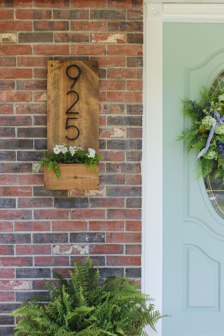 DIY Number Sign Planter Box by Rachel Pereira of Shades of Blue Interiors