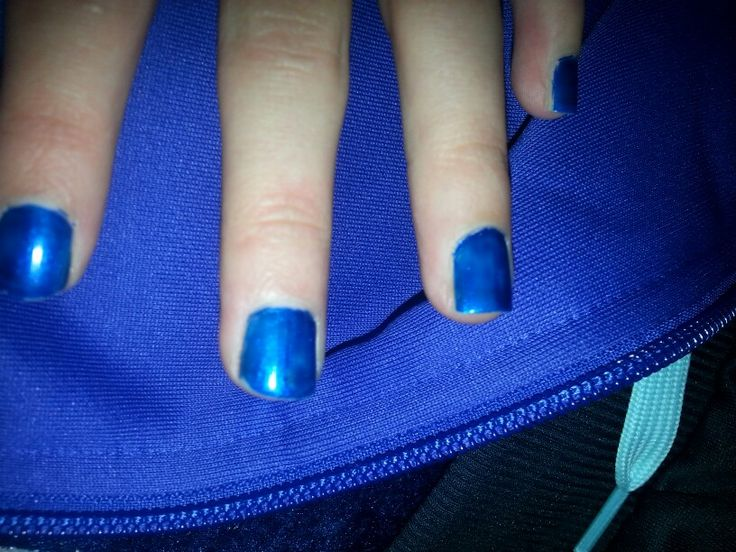 Donker blauwe nagellak