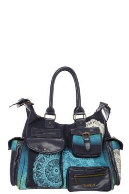 Desigual women's London Alguero bag, with faux leather detailing. Our classic London style bag, with a single spacious inner compartment and endless pockets on the outside.