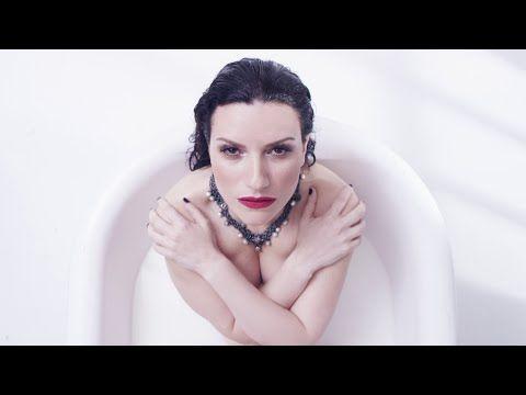 Laura Pausini - Ho creduto a me (Official Video) - YouTube