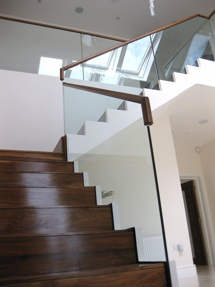 Balustrade | Balustrade Glass & Steel | Showroom | Signature Stairs Very clean fixing, very elegant look