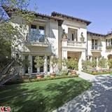 Check out Britney Spears' Beverly Hills Villa in these photos from FrontDoor.com. | HGTV FrontDoor