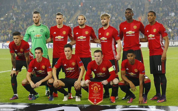 Manchester United boss Mourinho named a strong team with Rooney, Paul Pogba and Marcus Rashford all starting