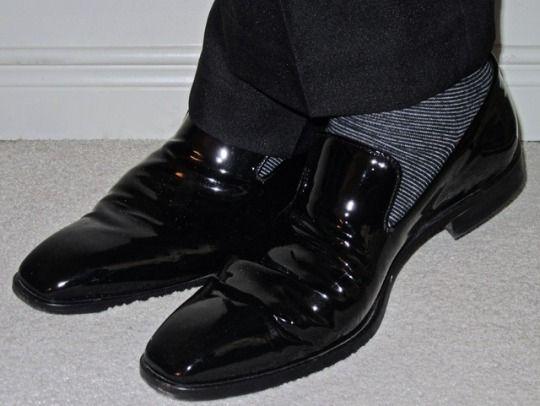 Alexander Julian trousers, Ron White patent leather loafers… #AlexanderJulian #RonWhiteShoes #loafers #Toronto #wiwt #sartorial #sartorialsplendour #sprezzatura #menswear #mensweardaily #menstyle #mensfashion #menshoes #style #fashion #shoes #dandy #dandystyle #dapper #dapperstyle #suits #meninsuits #fall2017 #f/w16/17