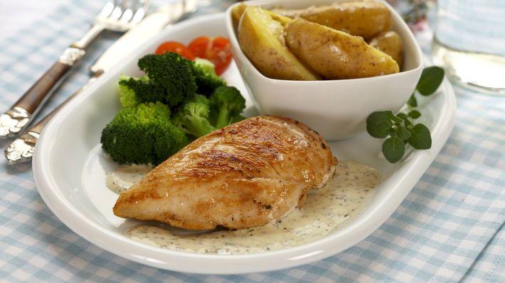 Kyllingfilet med kremet senneps- og estragonsaus