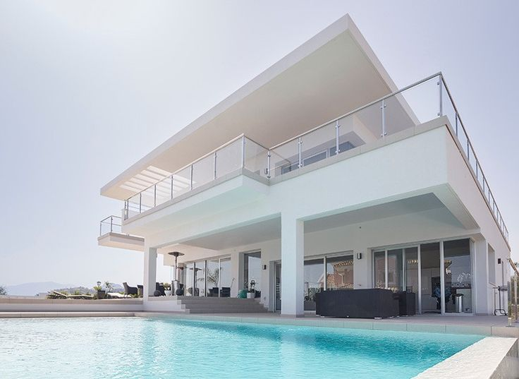 6 bed Villa for sale in Nueva Andalucía brought to you by Marbella Choice