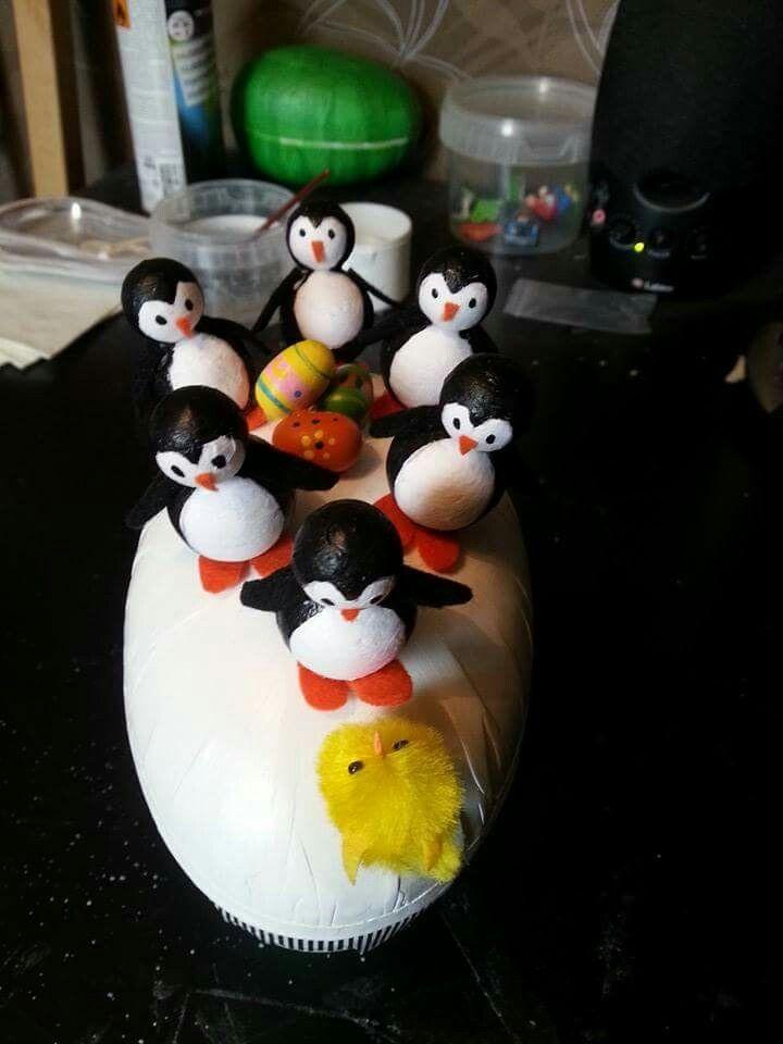 Påskägg med pingviner