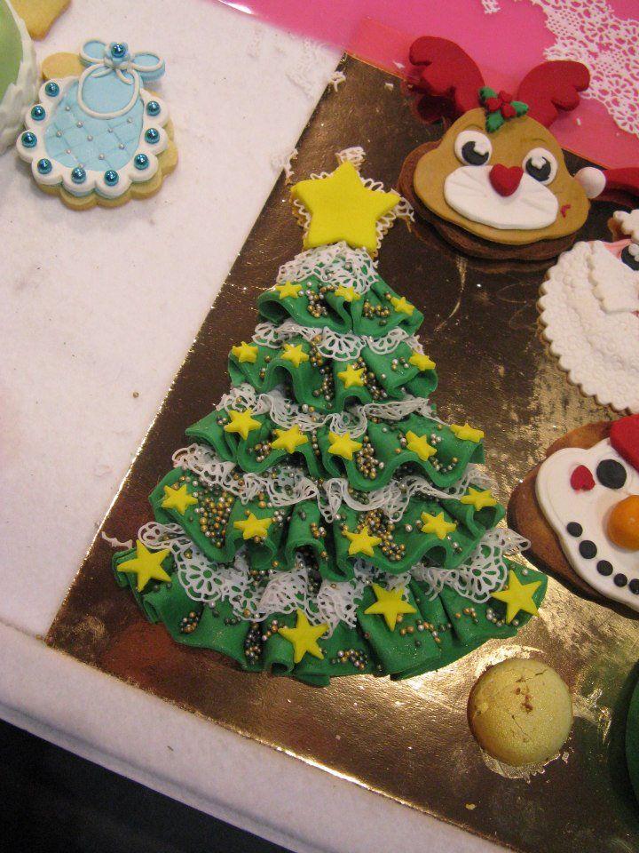 albero di Natale di pasta di zucchero. Omar Busi