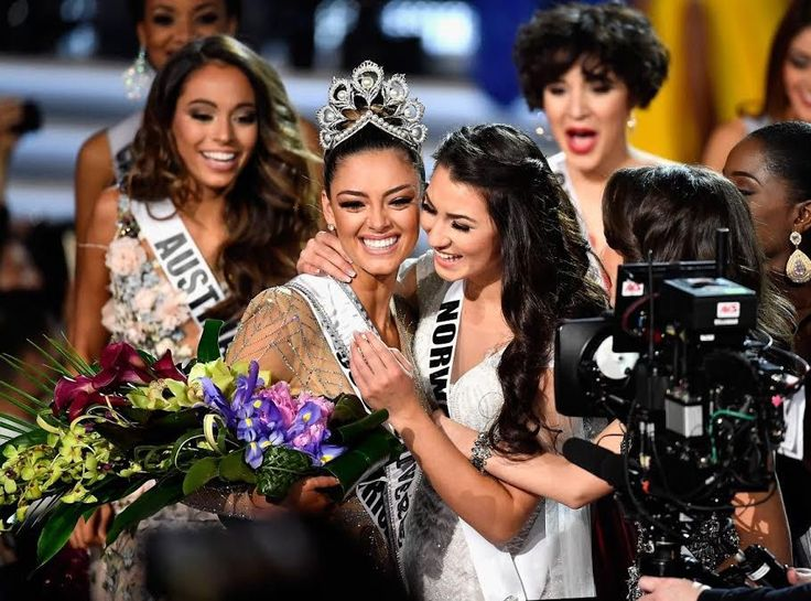 Miss South Africa 2017 Demi-Leigh Nel-Peters has been crowned Miss Universe @Official_MissSA @MissUniverse @DemiLeighNP