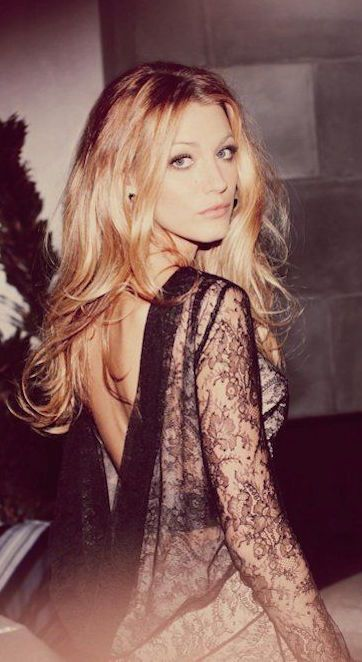 #street #fashion Blake Lively lace dress @wachabuy