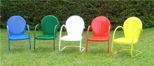 Finding an old lawn chair and bumping up the color with spray paint is an easy an inexpensive way to add some color to your yard.