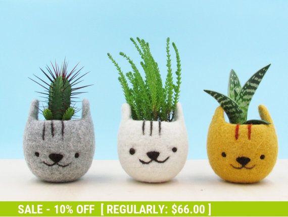 Planter / Girlfriend gift / Felt succulent planter / Neko Atsume / Kitty collector / Cat head plante