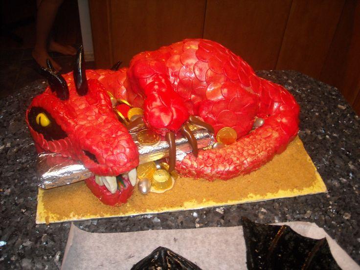 3D Dragon Cake. Dark chocolate cake with espresso cream cheese icing. Food Artist - Portfolio