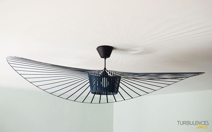 Il y a des objets design qui deviennent culte sans que l'on s'en aperçoive comme la suspension Vertigo de Constance Guisset pour Petite Friture.