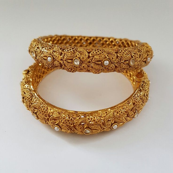 Beautiful stonework bangles. Indian jewellery / jewelry. £18. Email alamsjewellers@gmail.com with enquiries. #jewellery #Indianwedding #indian #asian #wedding #taal #gold #imitation