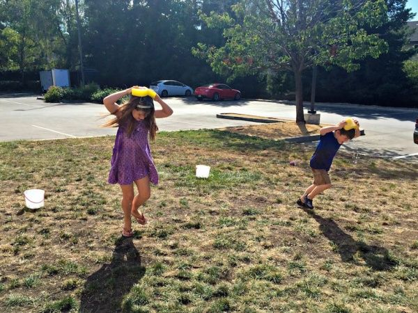 Keep Cool With This Backyard Game For Kids! You Will Need Sponges, Buckets  And