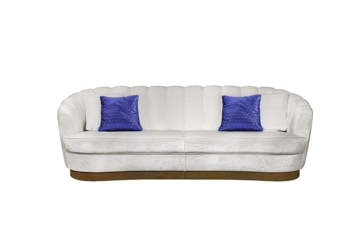 A cream velvet sofa is the piece that will help you achieve a modern interior design project that breathes elegance and glamour. Just like PEARL Sofa. | Modern Sofas. Living Room Furniture Set. #modernsofas #velvetsofa #whitesofa Discover more: https://www.brabbu.com/en/upholstery/pearl-sofa/