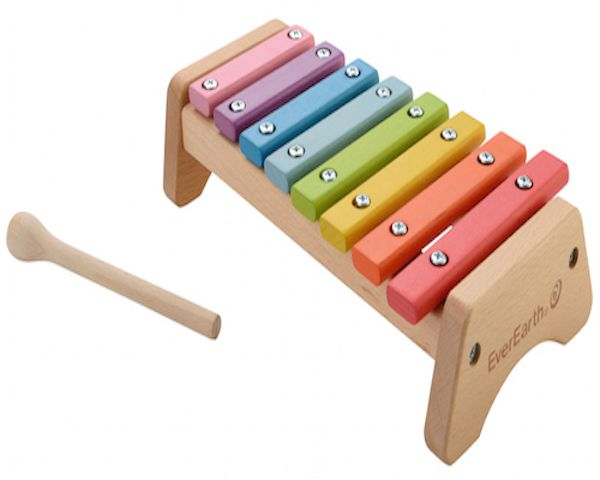 Everearth Xylophone with rainbow bars that produce different sounds for your child to practice recognising musical notes, as well as hand-eye coordinations to hit each bar in the right place. 100% FSC Wood Non-toxic soya-bean & water based paints