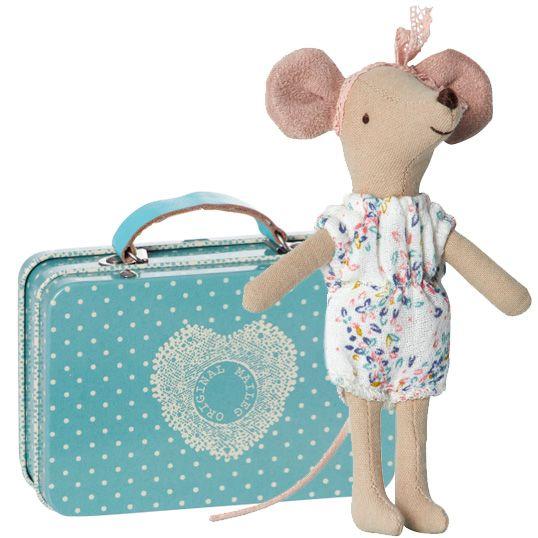 Découvrez notre Valise bleue en métal et souris en combinaison fleurie MAILEG l www.little-home.fr