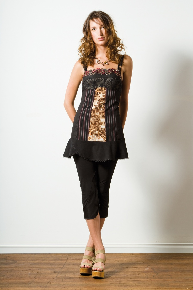 Kollontai Tunic, made in Montreal! Eco, Chic and comfortable!