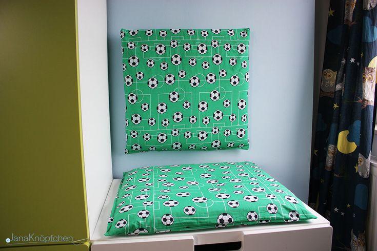 Leseecke mit selbstgenähten Kissen fürs Kinderzimmer