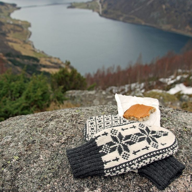 Ulriken Mittens are beautifully hand knitted in 100% wool. One size - for women. Machine washable on a wool programme using a wool detergent. Lightweight and comfortable for outdoor use Available in 8 colourways. Made in Norway #wool #traditionalknitwear #madeinnorway #norwegianknittingdesign #norwegianwool #cardigan #knitweardesign #knitting #norwegiandesign #mittens #setesdal #setesdalsrose