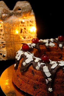 Kakkuviikarin vispailuja!: Jouluinen kirsikka-suklaakakku