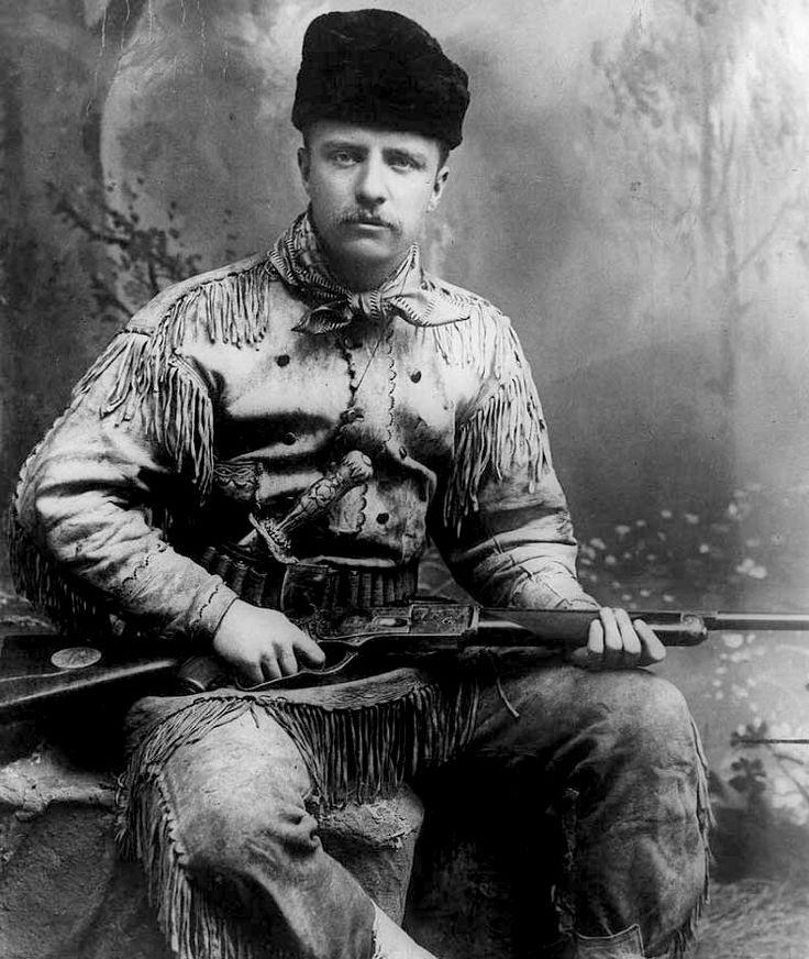 Theodore Roosevelt ataviado de cazador.