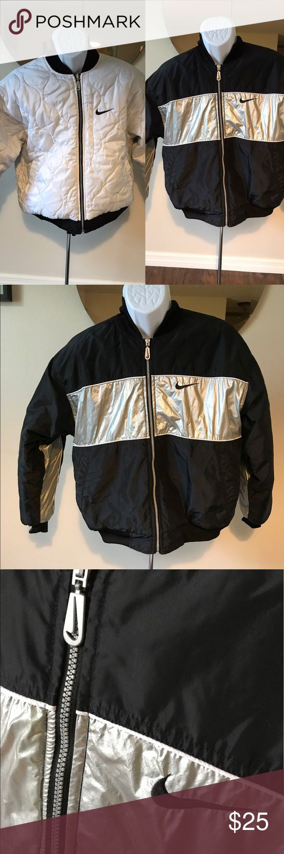 "Nike reversible black  white winter coat women's M Nike reversible winter coat. This is a women's size medium or 8–10. This jacket is in amazing condition no imperfections to note and I believe it's from the 90s.  22"" shoulder to shoulder  24.5"" bust  26"" length Nike Jackets & Coats"
