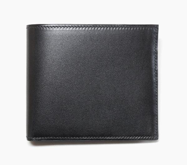 『送料、代引き料無料!』エルメス メンズ財布 カードケース MC2 COPERNIC コペルニクス ブラック エバーカーフ HERMES 商品コード:hw237 エルメスのシンプルなお財布「COPERNIC」です。 経年変化がとても楽しみな素材ヴォーエバーカーフが用いられております。 フランス製 サイズ W約11cm、H約9cm 素材、カラー VEAU EVERCALF(仔牛革) カラーはNOIR(黒) 仕様 PORTEFEUTLLE MC2 COPERNIC VEAU EVERCALF H0498...