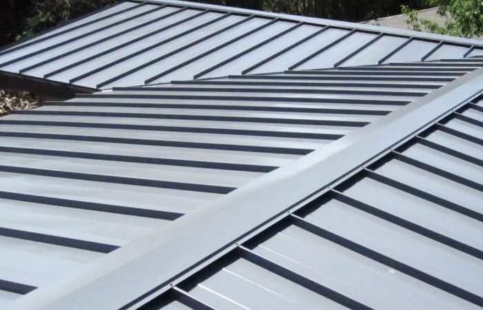 If You Are Searching Around For Professional Sheet Metal Roofing Contractors In New York City Give Us Metal Roofing Contractors Roofing Corrugated Metal Roof