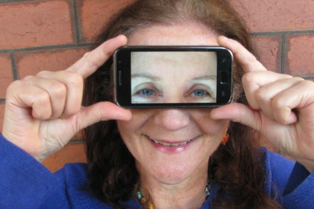 One Clever Function Shared by Smart Phones and Blind People