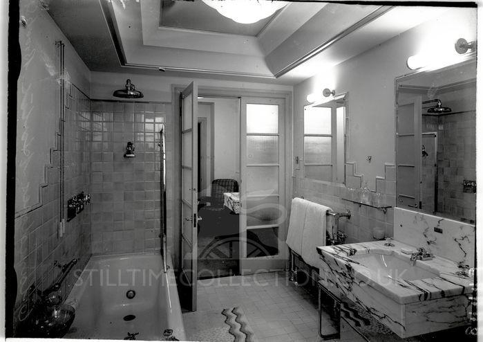 1930 39 s interiors building factory interior 1930s art deco claridges hotel brook st for. Black Bedroom Furniture Sets. Home Design Ideas
