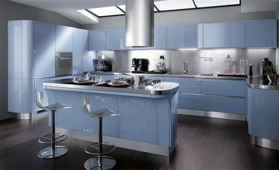 Una cucina al passo con i tempi, con soluzioni d'attualità che si addicono a un moderno stile di vita. Scopri tutto su Tess sul sito ufficiale Scavolini.
