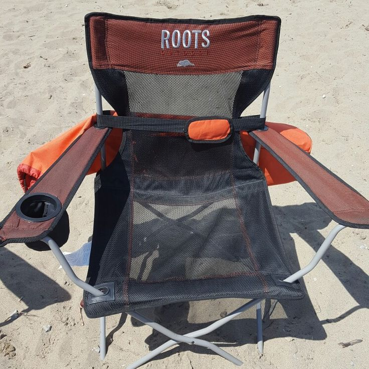 Relaxing it up in my comfy roots chair 👍👍