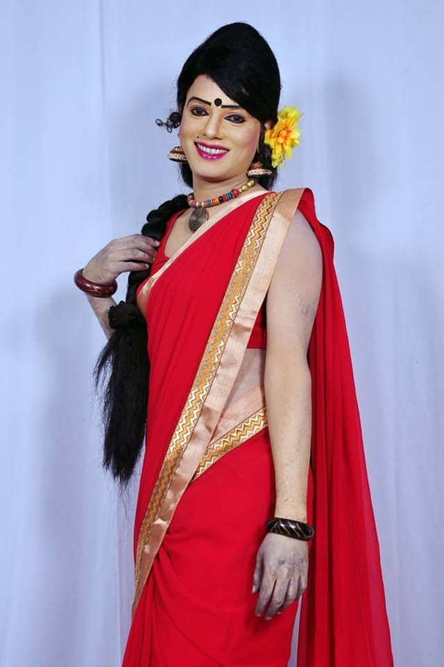 What excellent red saree transgenter nued