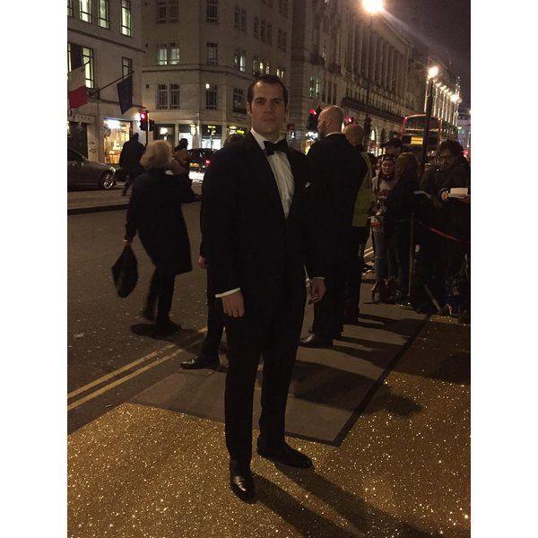#HenryCavill at tonight's @BAFTA Film Gala - all pics here http://henrycavill.org/en/media-gallery/images/events/item/1419-henry-cavill-at-the-bafta-film-gala-2016 …