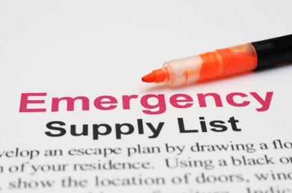 Checklists are a great way to stay organized during times of emergency preparation. This complete checklist will ensure that your family is prepared for short term disasters.