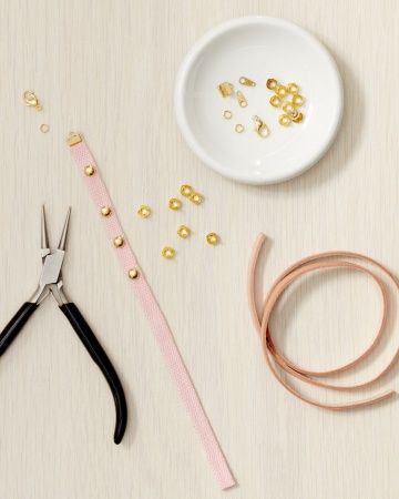 Thin studded bracelet how-to