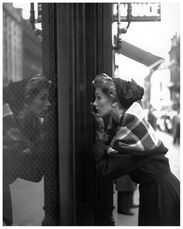 Suzy Parker per la rivista Elle Foto G.Dambier, 1952
