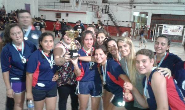 Handball – Liga de San Miguel: La plata de las chicas vale oro