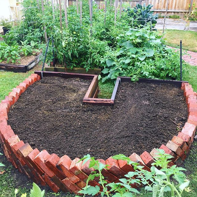 Re Vamped Keyhole Garden Bed At The Parents Place Time To Start