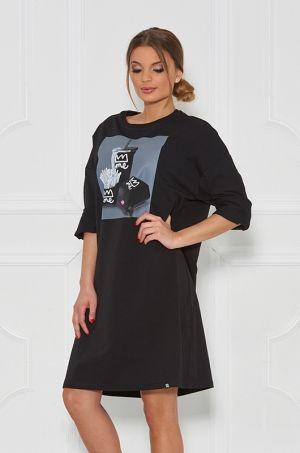 Štýlová tunika / šaty z kolekcie For ME, s 3/4 rukávom, potlačou v prednej časti. Vhodná na každodenné nosenie.