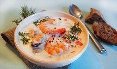 Ирландский суп-похлебка чаудер с морепродуктами (Irish Seafood Chowder), рыбой, беконом, сливками, молоком, овощами