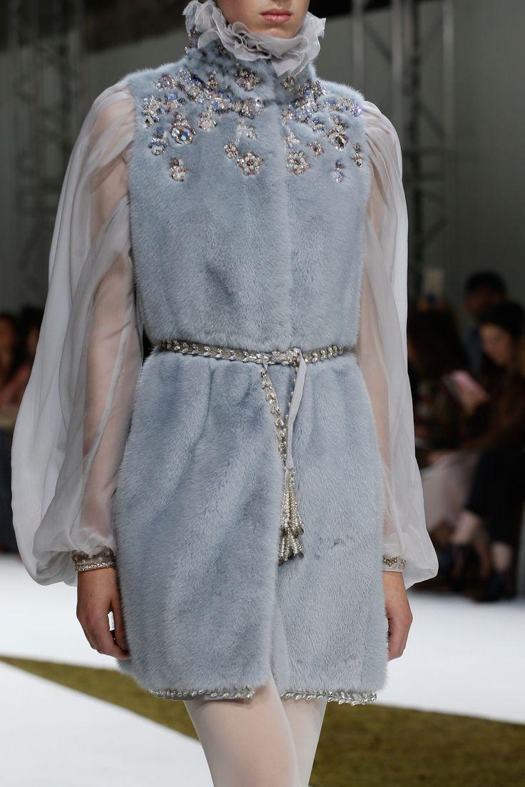Giambattista Valli Fall 2016 Couture Fashion Show Details