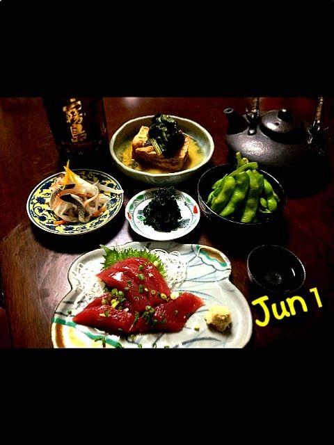 週末に心踊る幸せな外食が続いたので…   今日は自宅でゆっくりと - 74件のもぐもぐ - 厚揚げと小松菜の煮物・高知、土佐産のもっちもち鰹・新子の酢の物・浜名湖産青のり・地場の枝豆 by Jun1Nakada