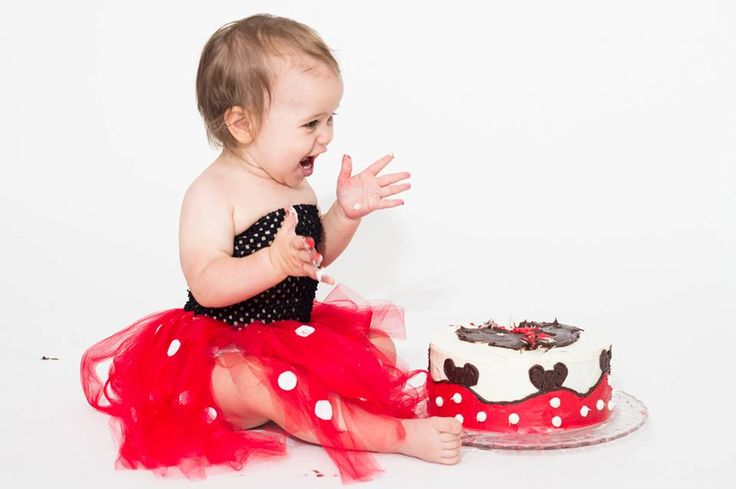 Cake Smash Sets available at, www.facebook.com/SassAndClassBoutiqueOttawa or www.sassandclass.ca  Photographed by: Flair Cakes and Photography