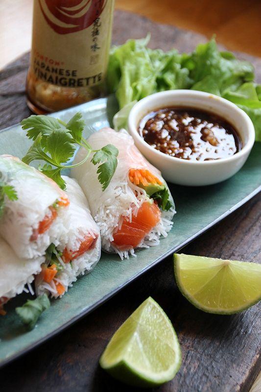 Rouleaux de printemps au saumon cru